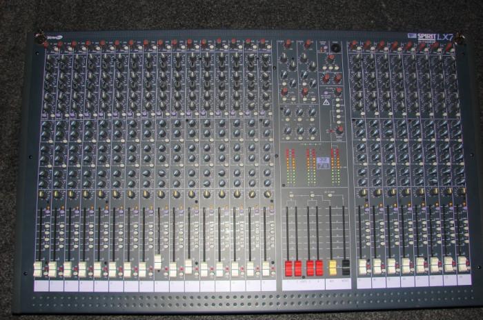 mixer profesional SOUNDCRAFT SPIRIT LX7, 24 CANALE, 7 BUS