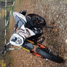 Vand Supermoto Generic an 2015, 49cc, stare ff buna - Motociclete