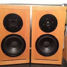Pereche Boxe Audio pe lemn (bass: Peerles/tweeter:Dynaudio) Germany-Denmark, Boxe podea, 41-80W