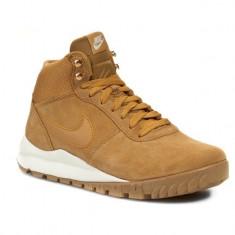 Adidasi Nike Hoodland Suede -Adidasi Originali-Ghete Piele 654888-727 - Ghete barbati Le Coq Sportif, Marime: 39, 40, 40.5, 41, 42, 43, 44, 44.5, Culoare: Din imagine