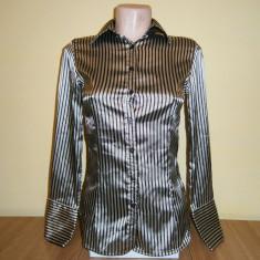 Camasa dama Zara basic, mar XS, in stare foarte buna!, Culoare: Din imagine