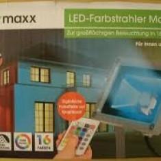 Reflector color Easymaxx magic cu telecomanda - Lumini club