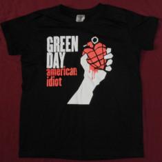 Tricou Green Day - American Idiot, 180 gr, tricouri rock - Tricou barbati, Marime: M, L, Culoare: Negru, Maneca scurta