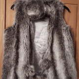 Vesta Blana Miso - marimea 40 - haina de blana
