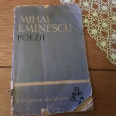 Poezii de Mihai Eminescu ,editura Tineretului