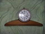 Ceas vechi functional,4 rubine VICTORIA,ceas de colectie talpa LEMN,Tp. GRATUIT