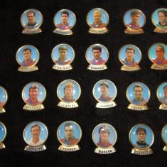 Lot 22 insigne jucatori fotbal - FC BARCELONA - Insigna fotbal