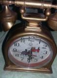 Ceas vechi de masa tip telefon antic,aspect retro,functional,T. GRATUIT