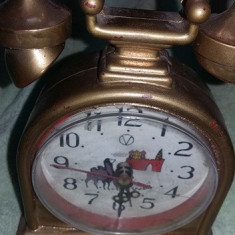Ceas vechi de masa tip telefon antic, aspect retro, functional, T. GRATUIT - Ceas de masa