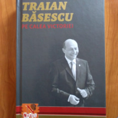 Traian Băsescu - pe calea victoriei - autograf