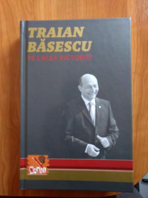Traian Băsescu - pe calea victoriei - autograf foto