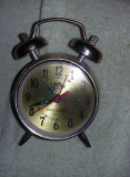 Ceas de masa vintage,fosforescent,perfect functional,ceas de colectie T.GRATUIT