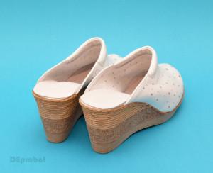 Saboti dama albi din piele naturala cu perforatii cod SB15 - Made in Romania