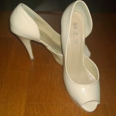 Pantofi de dama-ocazie - Pantof dama, Culoare: Nude, Marime: 36, Cu toc