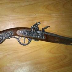 Pistol antic decorativ,pistol de epoca metal si lemn de panoplie original,T.GRAT