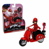 Jucarie Papusa Miraculos Buburuza Ladybug pe scooter 39880 Bandai