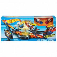 Jucarie Pista Hot Wheels Super Defi Confruntarea masinilor DHY25 Mattel