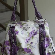 Geanta PRADA, model floral. Achizitionata din Italia-Milano. - Geanta Dama Prada, Culoare: Din imagine, Marime: One size