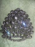 Brosa vintage dama,brosa veche superba,impecabila,bijuterie,T GRATUIT