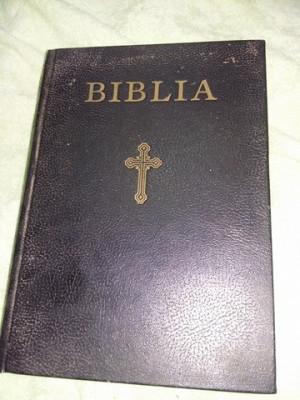 Biblie veche,bibila sau sfanta scriptura,parintele Justinian,T GRATUIT foto