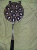 Forma de prajituri ruseasca,forma vintage,nefolosita,nuci,diametru 16 cm