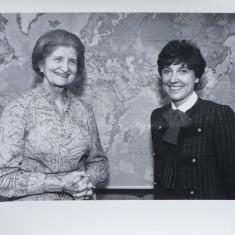 Foto cu ministrul adjunct de externe Maria Groza si ambasadorul Austriei, 1984 - Autograf