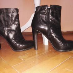 Botine calitate superioara, negre cu toc, piele naturala, Bata, Made in Italy - Botine dama Bata, Culoare: Negru, Marime: 38