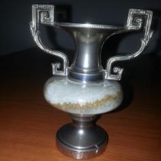 Vaza decorativa dimensiune mica din onix si metal Italia - Arta din Metal