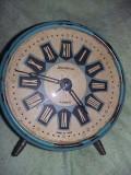 Ceas de masa vintage,de colectie,functinal,aspect antic,T GRATUIT