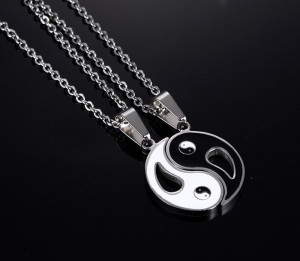 Lant Lantisor pandantiv medalion yin si yang doua jumatati pentru cuplu pret SET