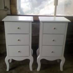 Noptiere comoda din lemn masiv Vintage