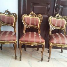 Mobila veche rococo 6 scaune, masa, vitrina, 2 fotolii, canapea, 2 aplice - Set mobila living