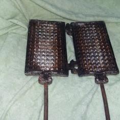 Forma traditionala de prajituri tip fagure,matrita veche cu manere,Tranp.GRATUIT