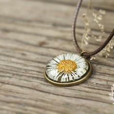 Colier - pandantiv cu floare uscata - Colier fashion