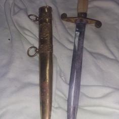 Arma,stilet militar parada de epoca,stilet cu teaca armata,de colectie,T.GRA