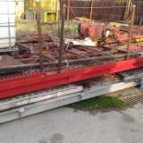 Pod metalic