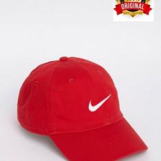 Sapca Nike Embroidered Swoosh Rosie - Originala - Reglabila - 100% Bumbac - Sapca Barbati Nike, Marime: Marime universala, Culoare: Rosu