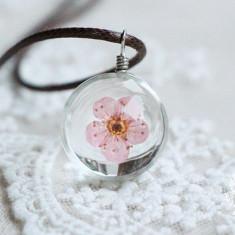 Colier cu pandantiv de sticla cu floare roz - Colier fashion