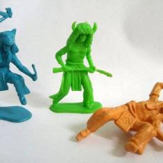Lot 3 figurine vechi, vintage indieni, diorama, colectie, detalii fine, 5cm