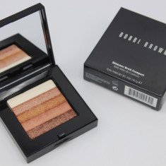 Pudra iluminatoare cu aspect natural Bobbi Brown Shimmer Brick Compact Bronze, Compacta