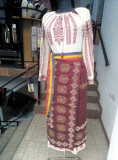 Vând Costum Popular, 40, Alb