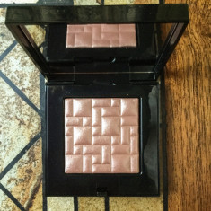Pudra luminoasa Bobbi Brown Highlighting Powder Afternoon Glow, Compacta