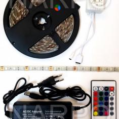 KIT BANDA LED RGB 5050 300 LEDURI 5 METRI + ALIMENTATOR + TELECOMANDA