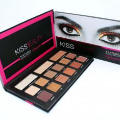 Trusa farduri 12 culori + 3 nuante Iluminator Kiss Beauty