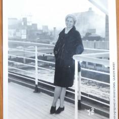 Maria Groza la bordul navei Queen Mary si alta fotografie cu autograf de la ONU