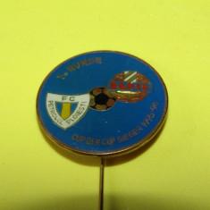 Insigna fotbal RAPID VIENA - PETROLUL PLOIESTI (Cupa Cupelor 1995)