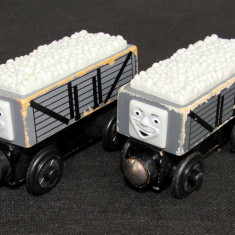 Thomas and Friends ✯ Wooden Railway ✯ TROUBLESOME TRUCK ✯ Magnetic Vagons ✯ 2003, Locomotive