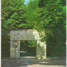 Bnk cp Targu Jiu - Poarta Sarutului - circulata - Carte Postala Oltenia dupa 1918, Printata