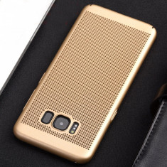 Husa Samsung Galaxy S7 Edge Perforata Gold - Husa Telefon Samsung, Auriu, Plastic, Fara snur, Carcasa