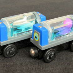 Thomas and Friends ✯ Wooden Railway ✯ 2 x AQUARIUM CAR ✯ Magnetic Vagons ✯ 2003 - Trenulet, Locomotive